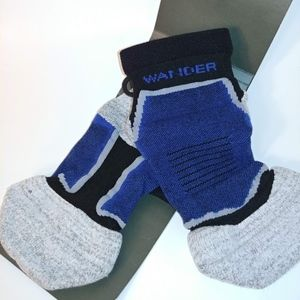 3 pack of Wander Elite no-show socks